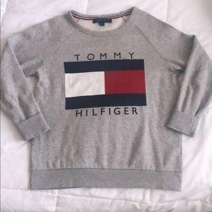 Tommy Hilfiger grey sweatshirt